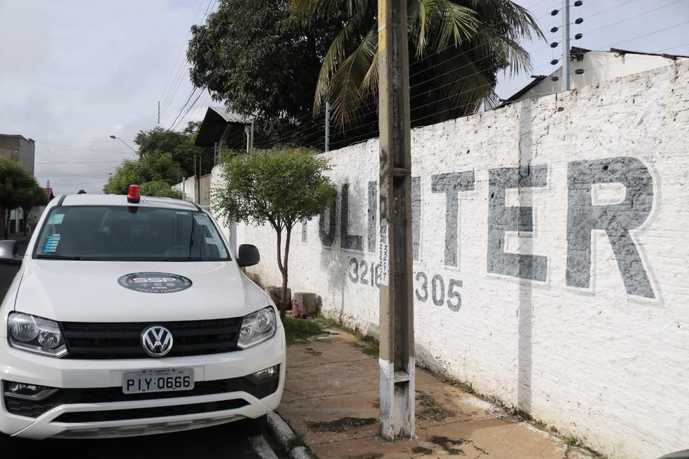 Presos foram encaminhados para à sede da Polinter — Foto: Lucas Pessoa/G1 PI