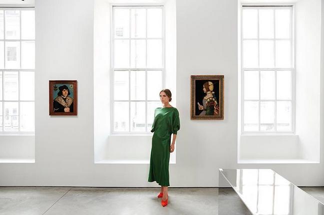 Victoria Beckham em sua loja, na Bond Street (Foto: Reprodução/Instagram)
