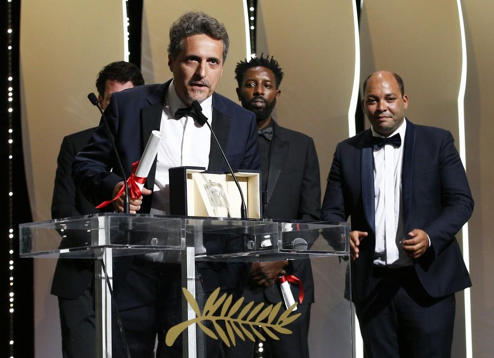 Kleber Mendonça Filho recebe o Prêmio do Júri do Festival de Cannes 2019, na França — Foto: Reuters