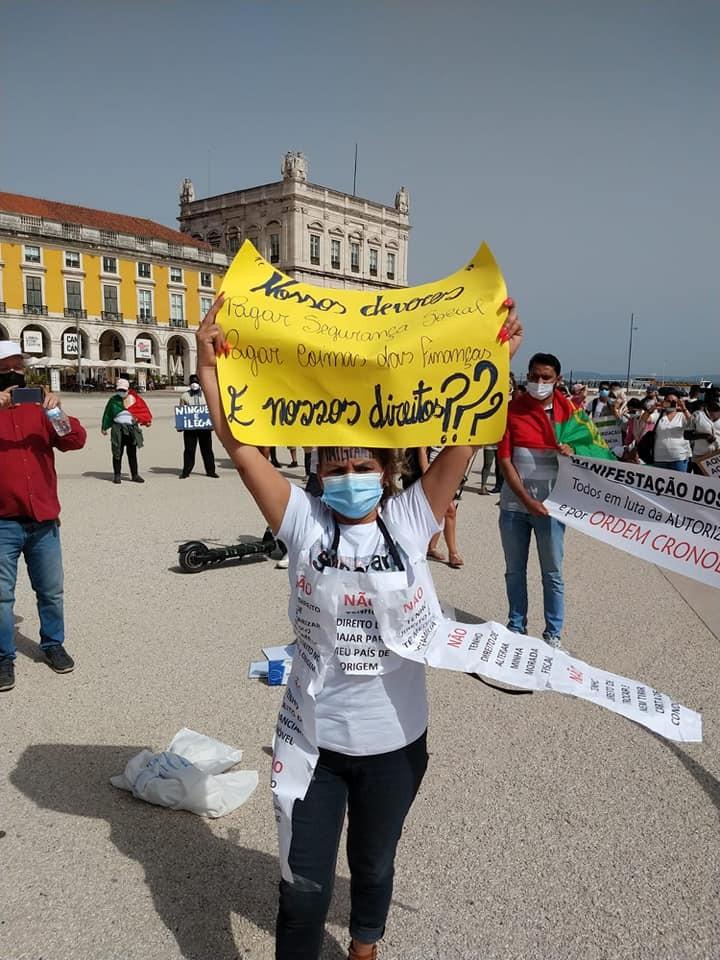 Juliet Cristino durante manifestação na Praça do Comércio, em Lisboa