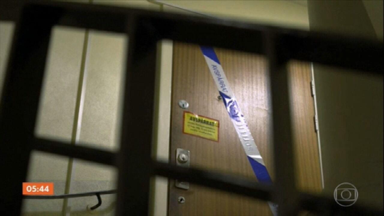 Mulher suspeita de manter o filho trancado por três décadas em apartamento na Suécia é presa
