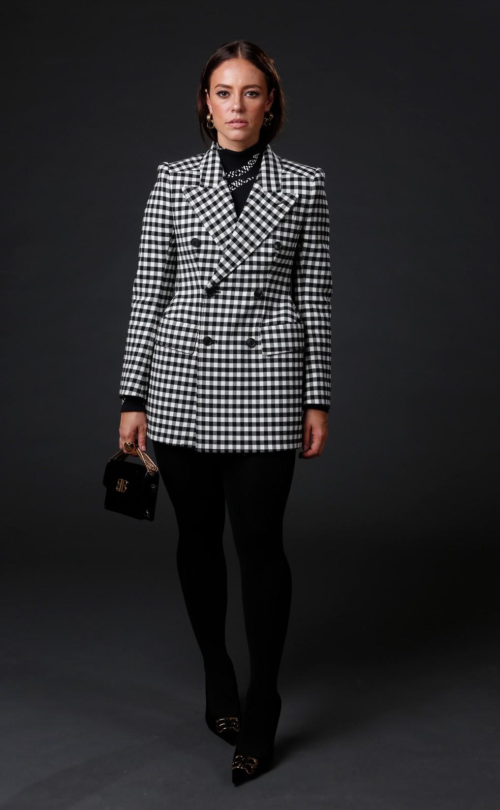 Tendência em 2019, Paolla Oliveira investiu em look xadrez nas cores preto e branco — Foto: Fabiano Battaglin/Gshow