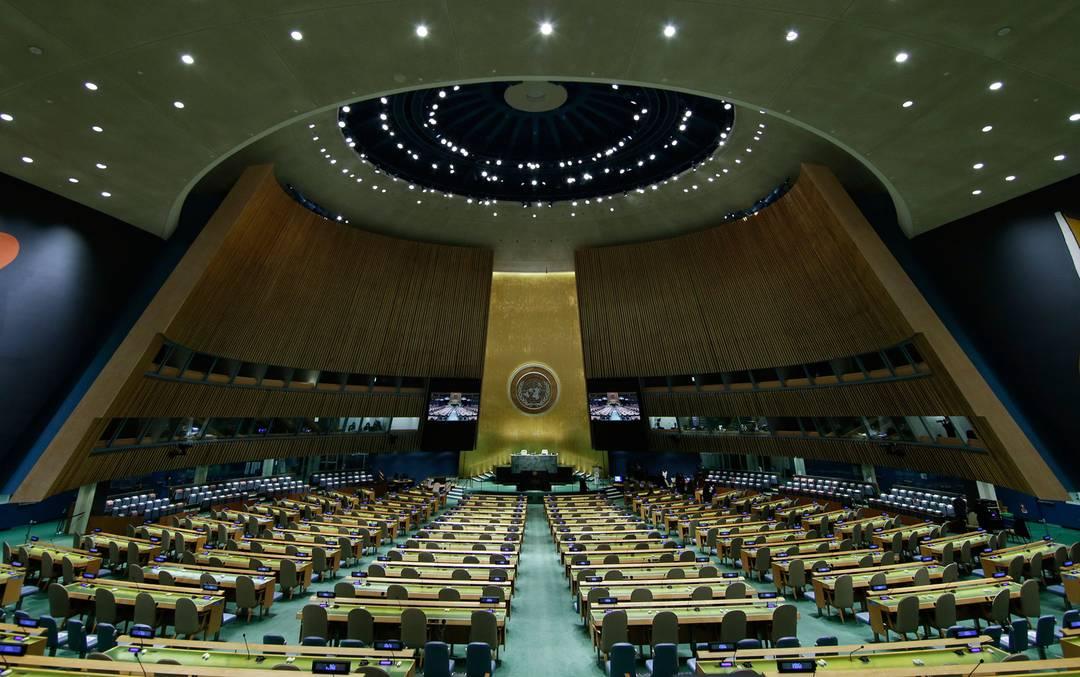 O Hall da Assembleia Geral da ONU vazio, antes do início da 76ª edição do evento, na segunda-feira (20)