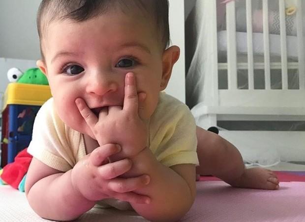 A pequena Nina, 9 meses (Foto: Arquivo pessoal/ Carol Castro)