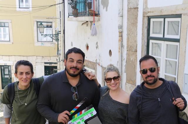 Luciana Paes, Luis Lobianco, Tatiana Issa e Guto Barra em Lisboa, onde gravam 'Férias em família' (Foto: Lúcio Zandonadi)