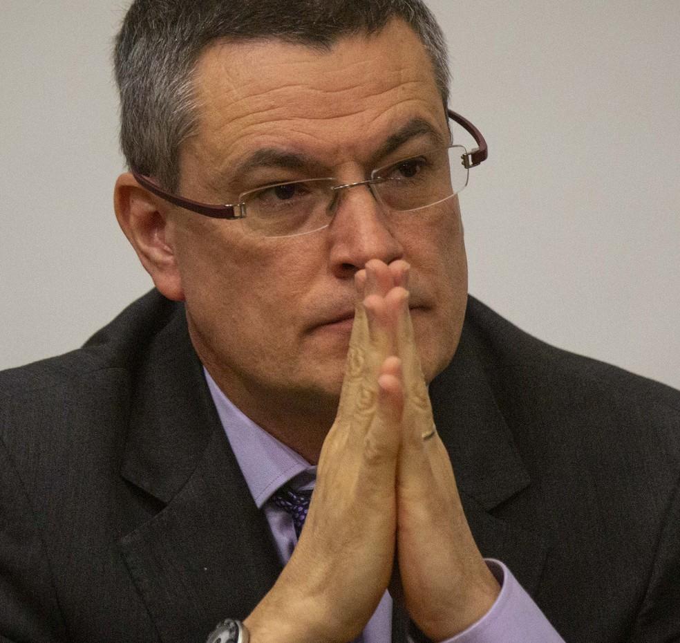 Valeixo diz a superintendentes da PF que não tem apego ao cargo ...