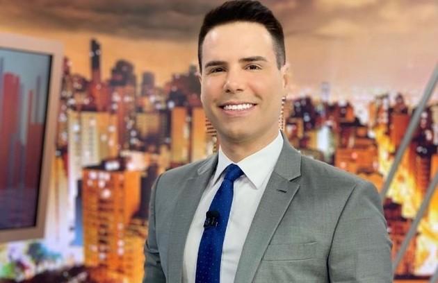 """Na Record, Luiz Bacci fez, como sempre, sensacionalismo no """"Cidade alerta"""" (Foto: Divulgação)"""