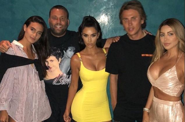 A socialite Kim Kardashian com Larsa Pippen e outros amigos das duas (Foto: Instagram)