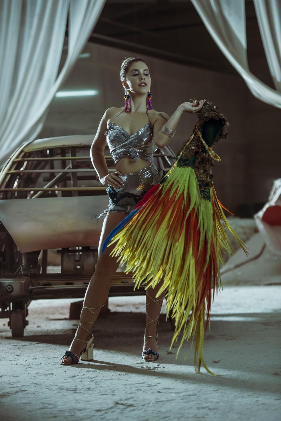 Thais Müller é íntima do universo do samba desde criança  — Foto: Vinícius Mochizuki/Divulgação