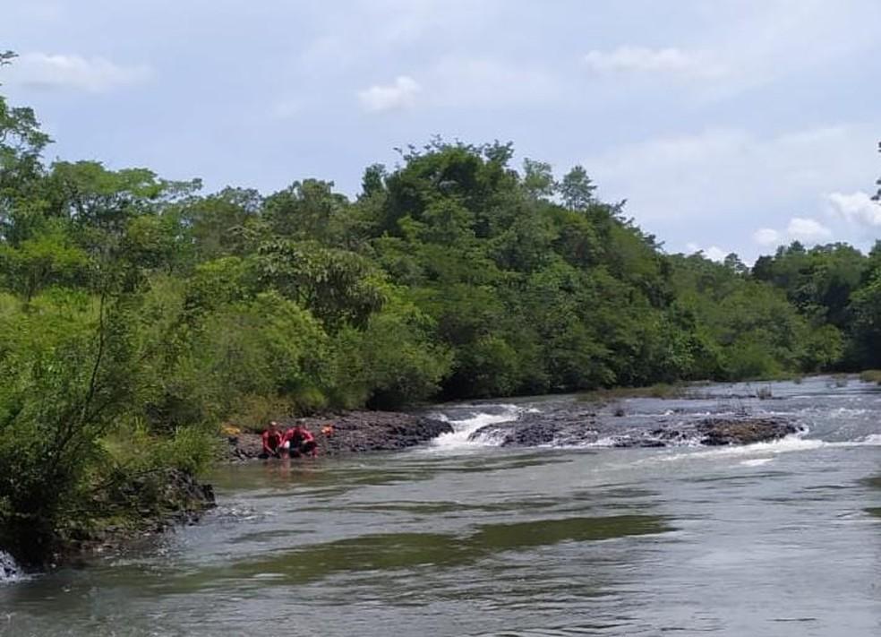 Corpo de Bombeiros procura por desaparecida em cachoeira da Léia Uberaba — Foto: Corpo de Bombeiros/Divulgação