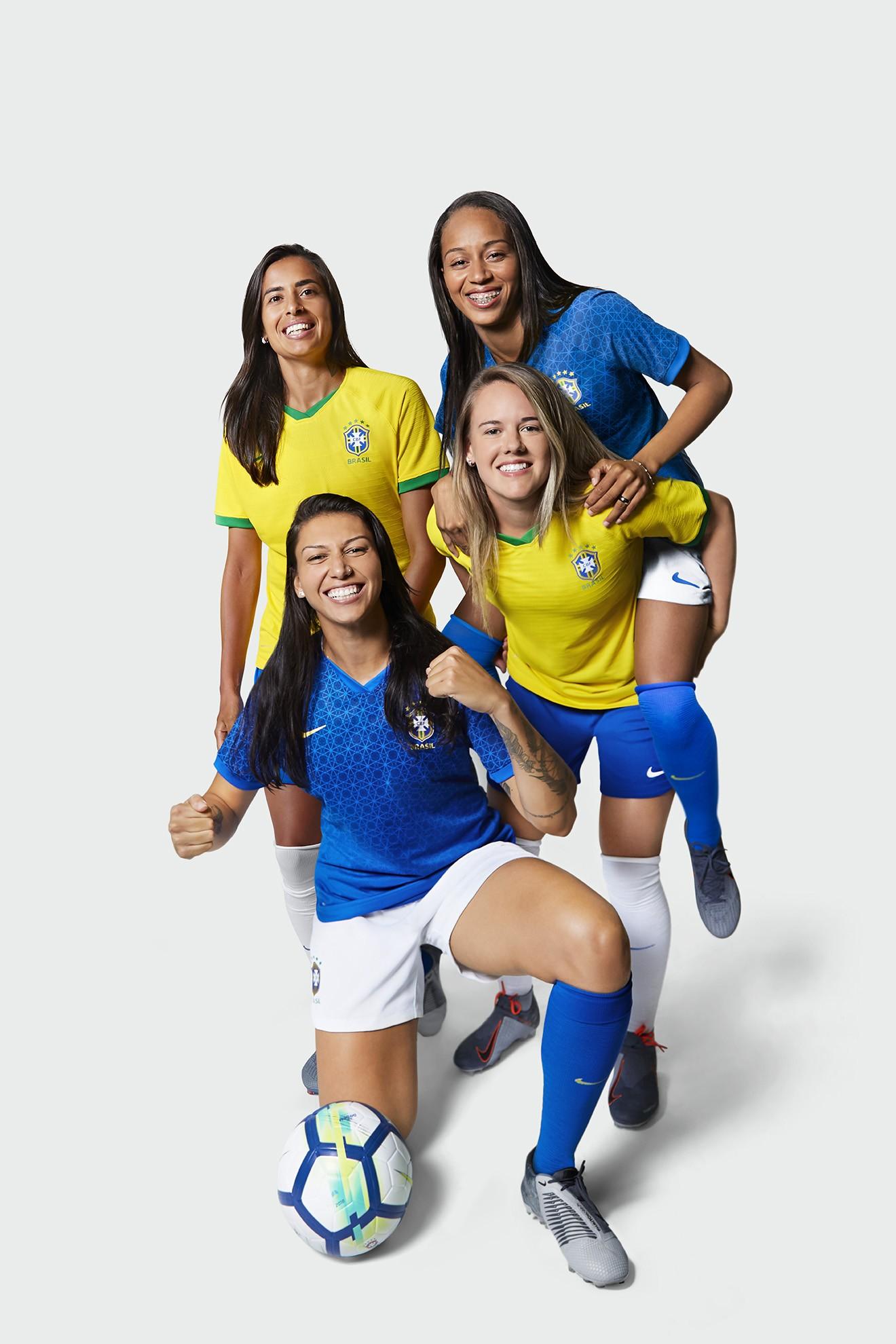 8762c9b86ec6c Seleção Brasileira Feminina lança novos uniformes para o mundial (Foto   Divulgação)