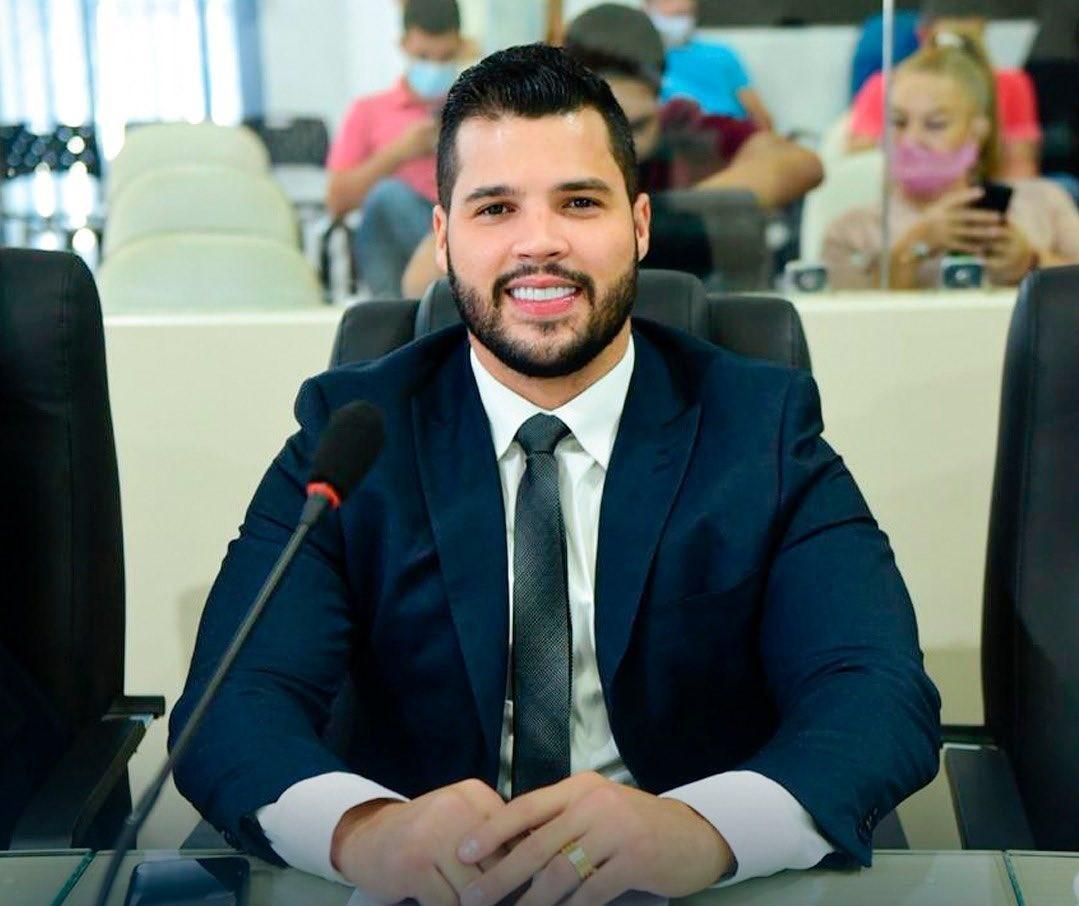Vereador de Boa Vista preso em flagrante pela PF com pistola paga R$ 32 mil e é liberado