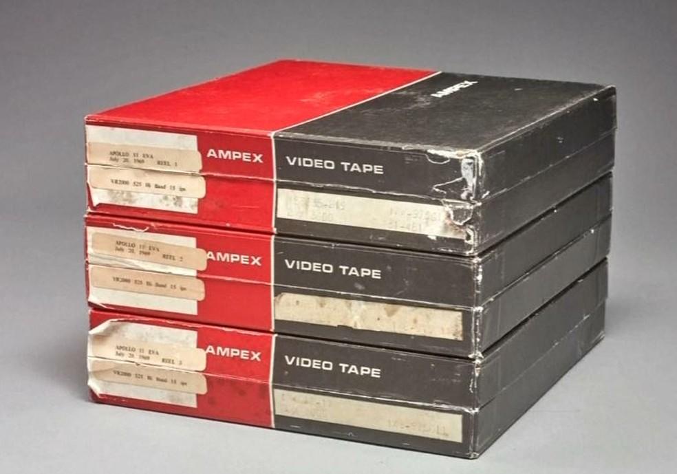 Caixa com as fitas que serão leiloadas pela Sotheby's — Foto: Sotheby's/Divulgação