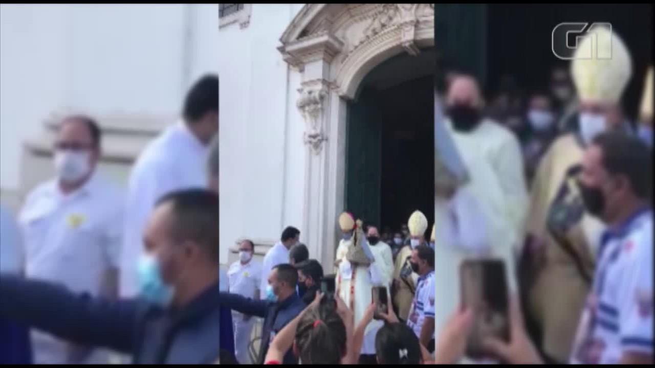CÍRIO 2020: Momento em que Imagem sai da Catedral de Belém, após missa