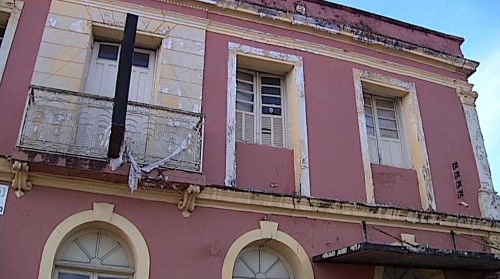 Antiga 'Pensão Tormin' no Centro de Araxá (Foto: Reprodução/TV Integração)