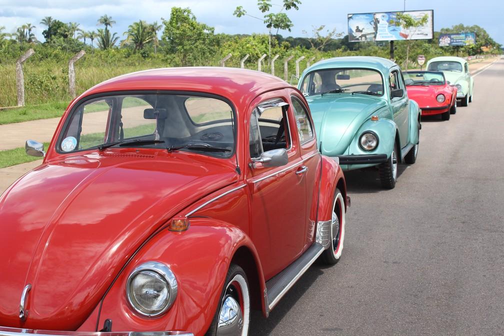 Encontro de carros aconteceu na manhã deste sábado (12) em Porto Velho — Foto: Cássia Firmino/ G1