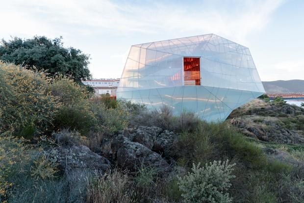 Centro de conferência na Espanha surpreende por formato inusitado (Foto: FOTOS: IWAN BAAN / DIVULGAÇÃO )
