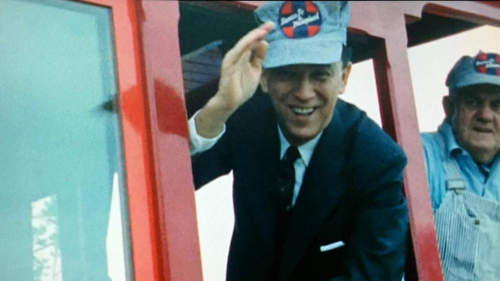 Juscelino Kubitschek durante viagem para visitar a Disney, em 1961 — Foto: Reprodução