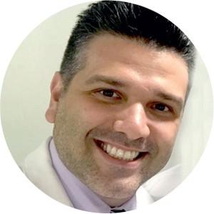 Domingos Mantelli é ginecologista e obstetra. Pai de Giulia, 3 anos, e Isabella, 2 meses, é autor de Gestação: mitos e verdades sob o olhar do obstetra. mande sua pergunta para: crescer@edglobo.com.br (Foto:  )