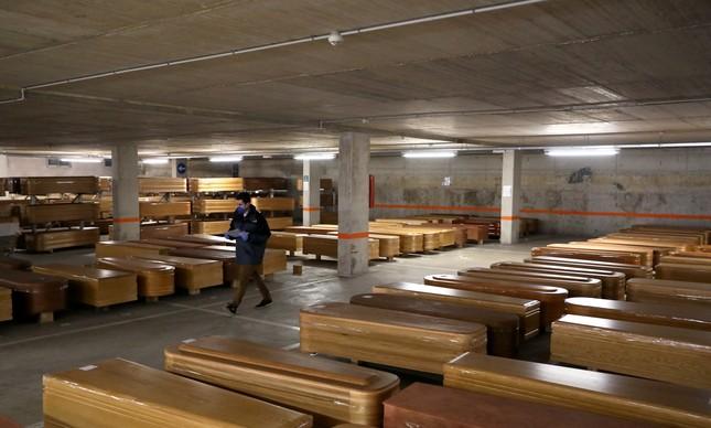 Associação Brasileira de Empresas do Setor Funerário acredita que haverá  mais de cinco mil mortes em março