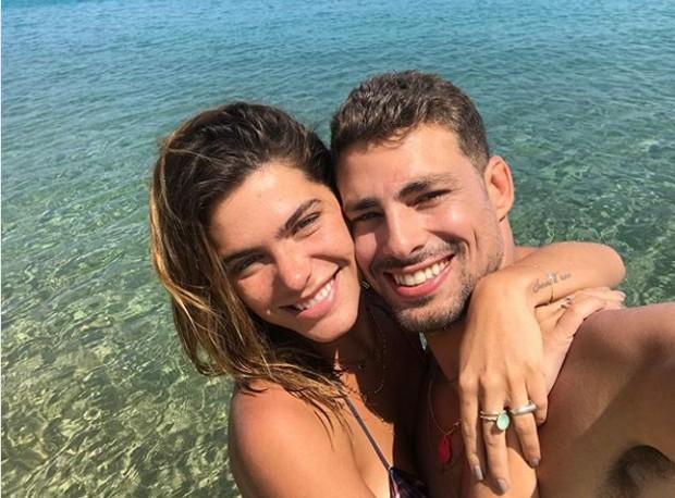 Cauã Reymond e namorada (Foto: Reprodução/Instagram)
