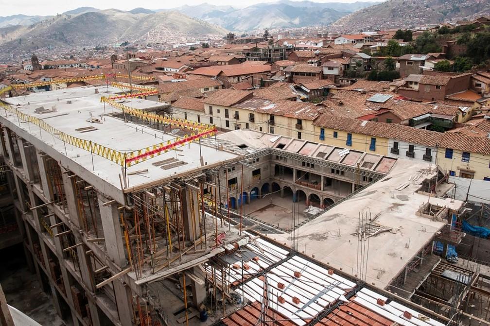 Justiça peruana mandou destruir hotel Sheraton em Cusco por destruir muros incas — Foto: HO/ANDINA/AFP