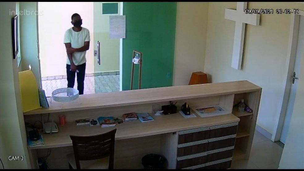 Homem engana padre no sudoeste da Bahia e leva dinheiro que seria usado para compra de cestas básicas — Foto: Arquivo Pessoal