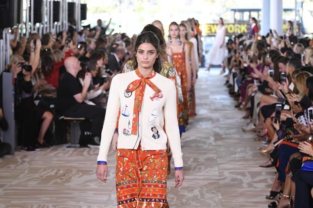 Tory Burch apresenta nova coleção na Semana de Moda de Nova York (Foto: Getty Images)