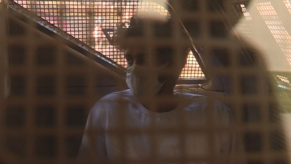 Gabriel Ribeiro de Moura, preso por suspeita de envolvimento com tráfico de animais — Foto: TV Globo/Reprodução