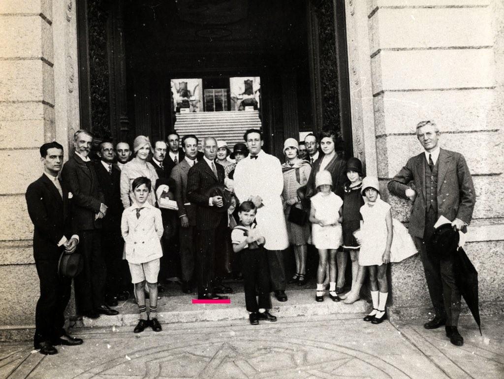 Santos Dumont ao lado de Edgard Roquette Pinto no Museu Nacional