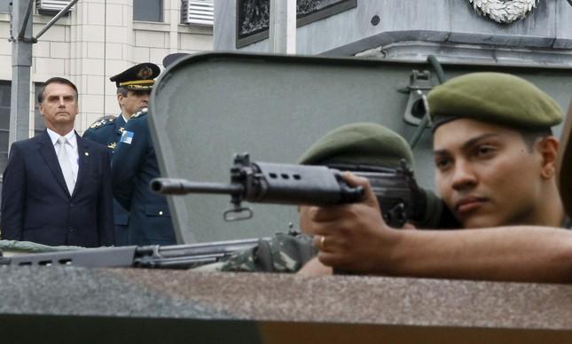 O deputado Jair Bolsonaro participa da Para Militar do Sete de Setembro, no Rio