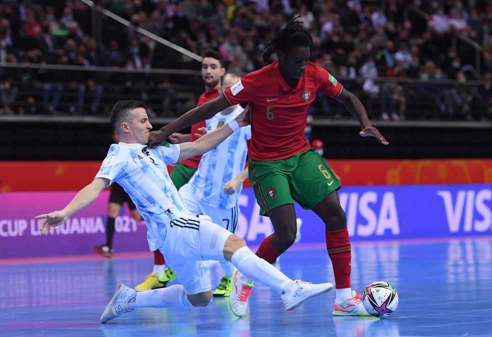 Argentina e Portugal fizeram um primeiro tempo tenso — Foto: Alex Caparros/FIFA