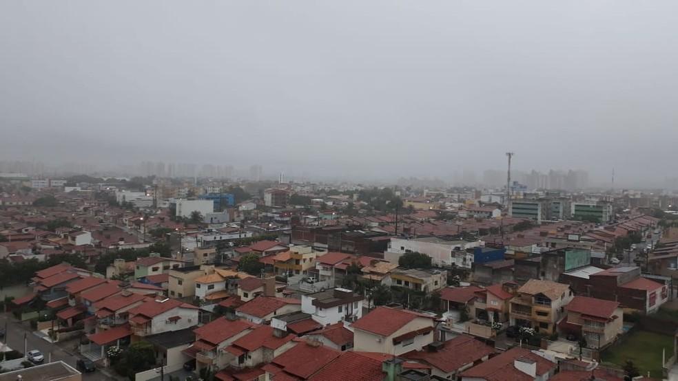 Chuva deve seguir em Natal no fim de semana — Foto: Fernanda Zauli/G1
