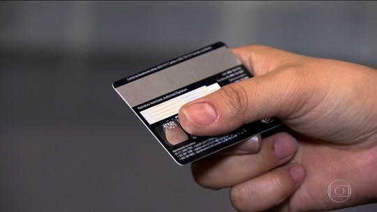 Bancos parcelam dívida do cartão de crédito sem autorização do correntista