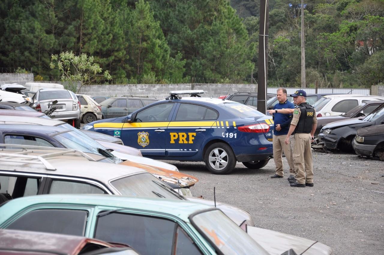 Polícia Rodoviária Federal oferece 1.650 veículos no último leilão do ano no Paraná