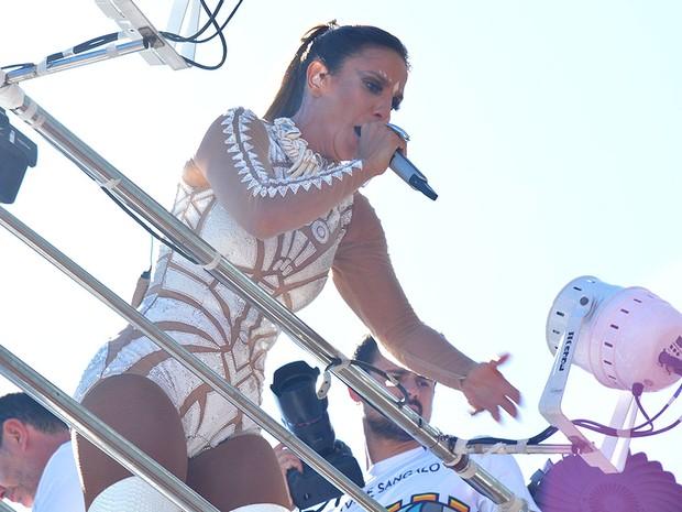 Ivete faz segunda apresentação no carnaval de Salvador, neste sábado (Foto: Júnior Improta/Ag Haack)