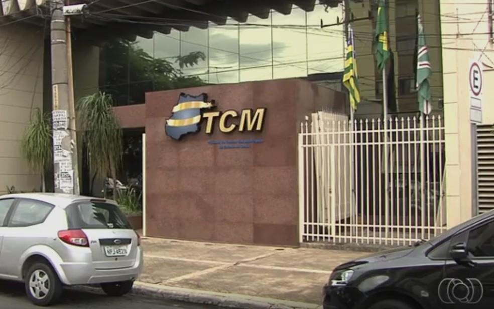 Relatório do TCM aponta que cidades estão gastando mais do que o permitido com folha de pagamento — Foto: Reprodução/TV Anhanguera