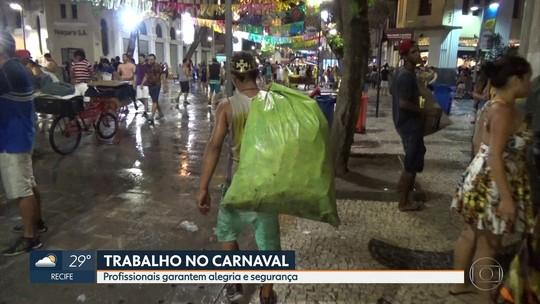 Trabalhadores 'invisíveis' garantem beleza e segurança no carnaval de Pernambuco