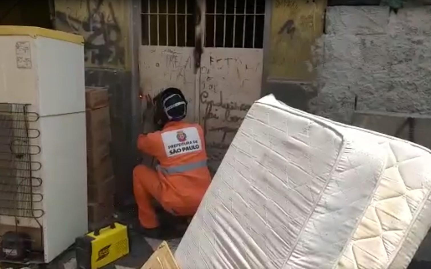 Prefeitura de SP emparedou imóveis na Cracolândia com pertences dentro, dizem famílias despejadas