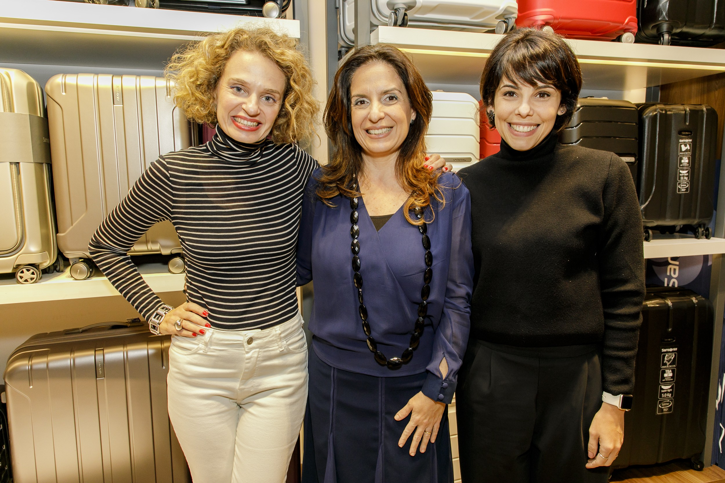 A consultora de estilo Ucha Meirelles, a presidente da Samsonite Mercosul, Anna Chaia, e a editora-chefe da Marie Claire, Maria Laura Neves, no evento de lançamento da nova coleção (Foto: Mariana Pekin/G.lab)