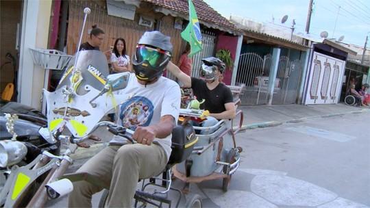 Mário desenvolveu uma bicicleta super customizada! Tudo com material reciclável