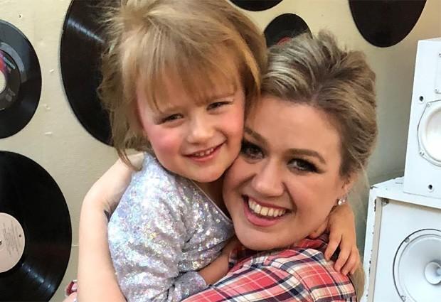 Kelly Clarkson e a filha, River Rose (Foto: Reprodução/Instagram)