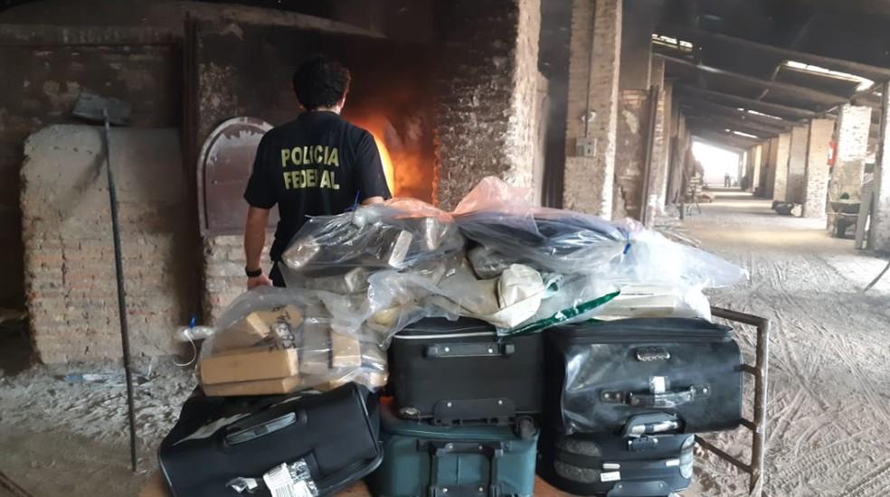 Foram destruídos 665 quilos de cocaína, 411 quilos de maconha, 1.015 unidades de ecstasy e medicamentos, 41 quilos de haxixe, bicarbonato e pó branco. — Foto: Polícia Federal do Ceará/Divulgação