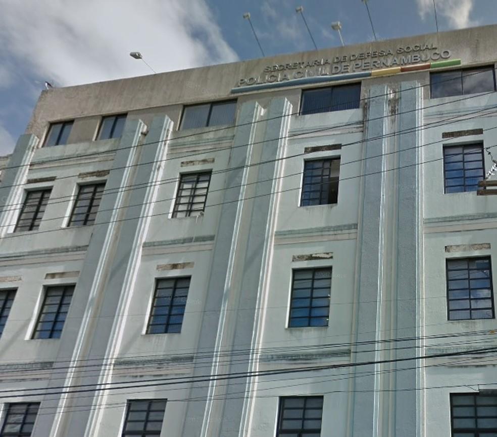 Sede da Polícia Civil de Pernambuco fica no Centro do Recife (Foto: Reprodução/Google Street View)