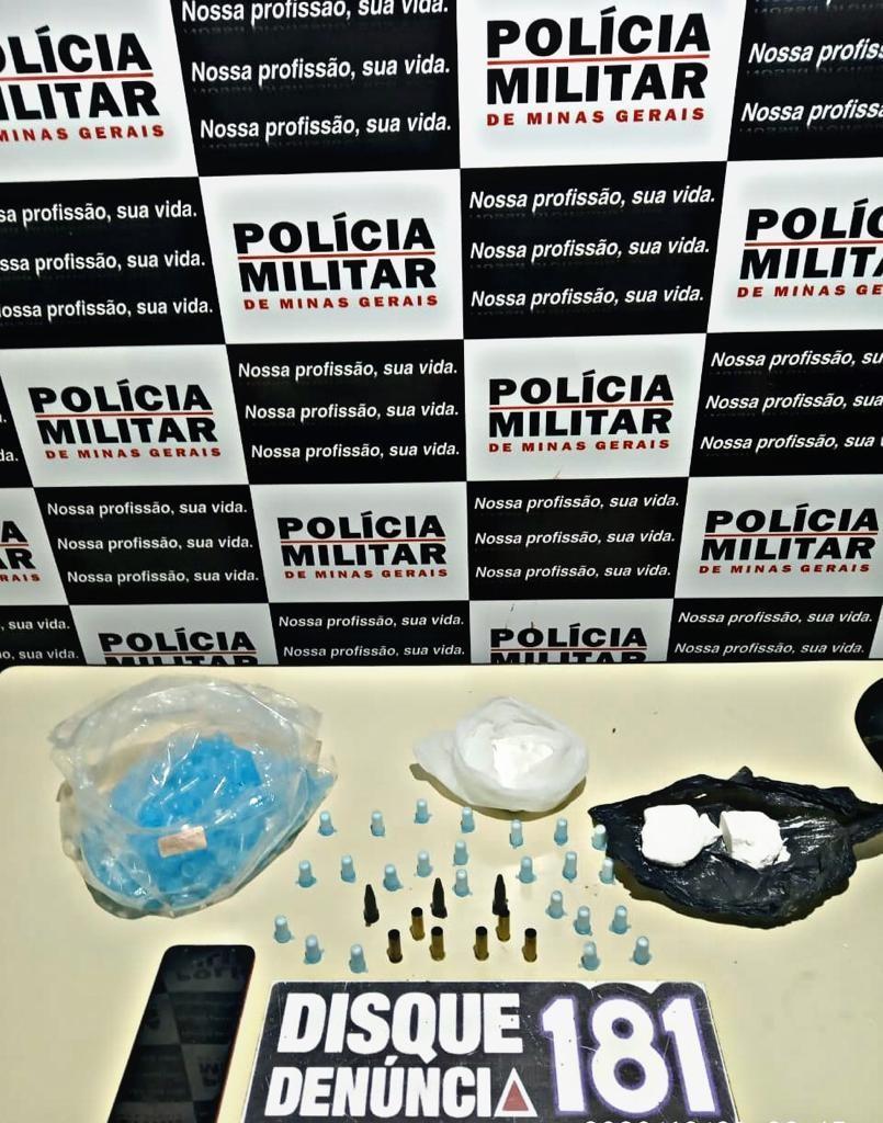 Rapaz é detido com cocaína após denúncia em Lagoa da Prata
