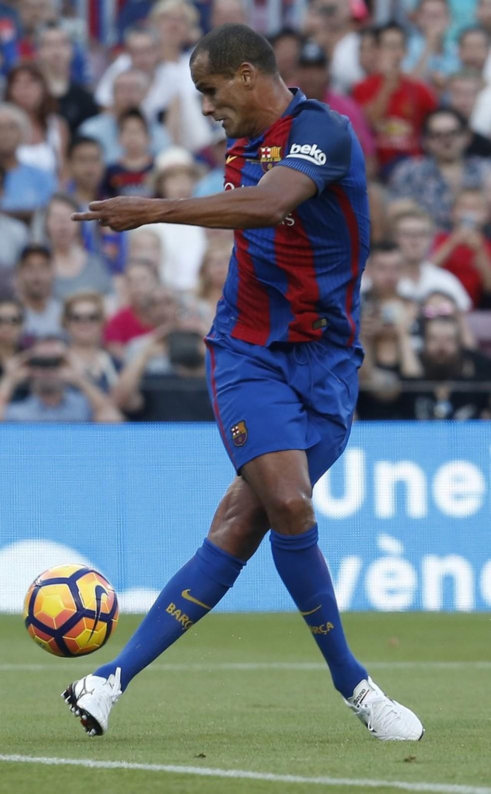 Rivaldo em aAi??A?o pelo Barcelona legends (Foto: Foto: AFP)