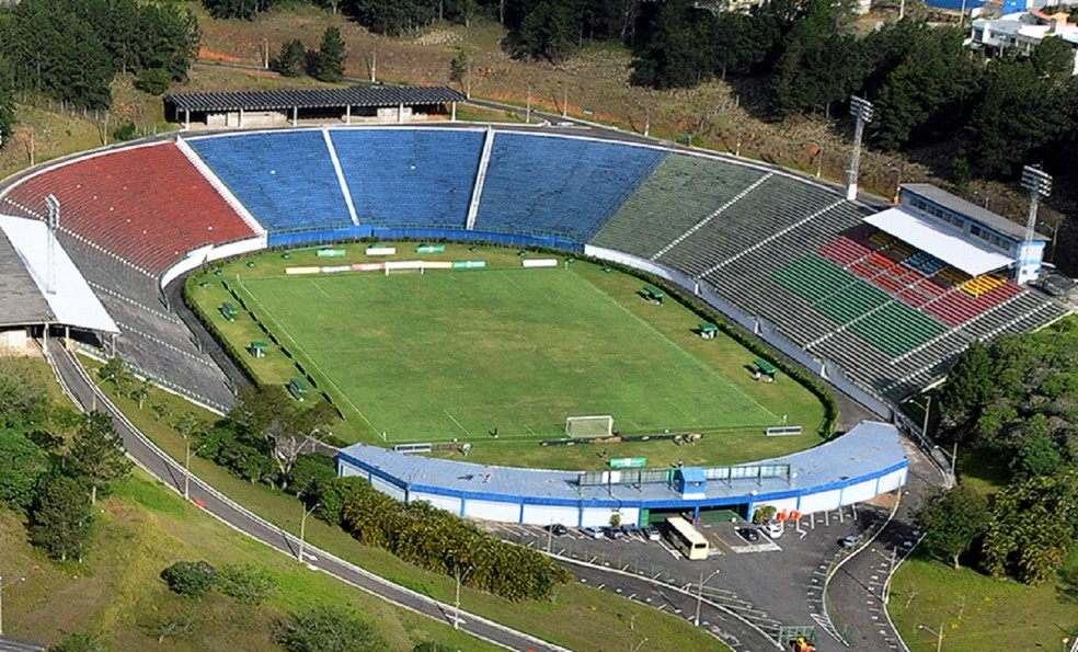Estádio Municipal Radialista Mário Helênio será palco para Tupi-MG e Macaé (Foto: Carlos Mendonça/PJF)