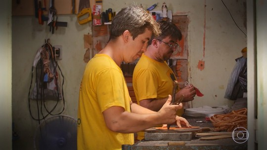 'Mandando Bem' realiza sonho de irmãos sapateiros do interior do Ceará