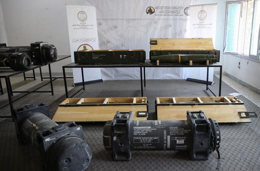 Mísseis dos EUA encontrados em base rebelde na Líbia — Foto: AFP