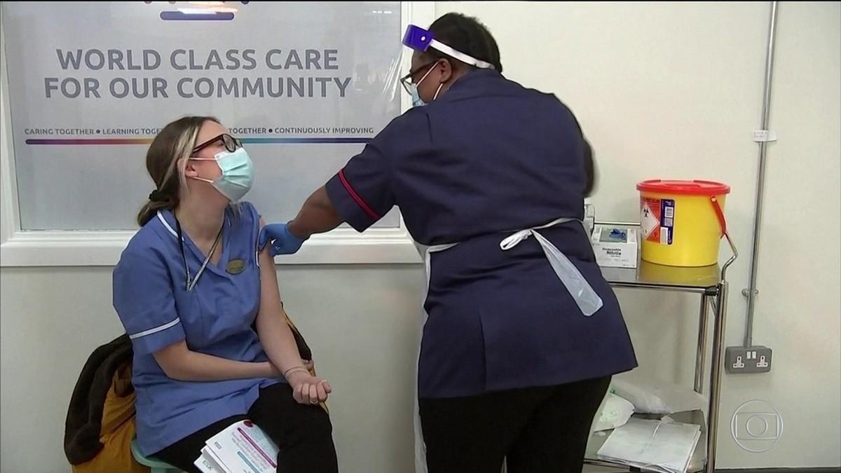 Reino Unido diz ter vacinado quase 140 mil pessoas contra a Covid-19 - G1